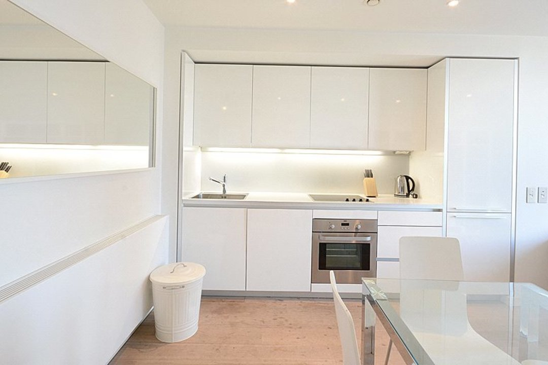 Flat for sale in Walworth Road, , SE1 6EH - view - 5