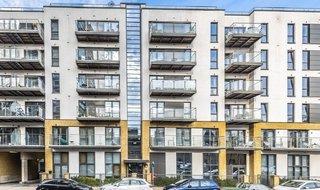 Flat for sale in Gwynne Road, London, SW11 3GJ-View-1