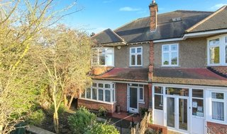 House for sale in Pollards Crescent, Norbury, SW16 4NX-View-1