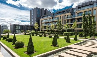 Flat for sale in Ravensbourne Apartments, 5 Central Avenue, SW6 2GN-View-1