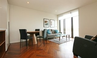 Flat to rent in Ambassador Building, 5 New Union Square, SW11 7BN-View-1