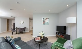 Flat to rent in Churchyard Row, London, SE11 4FH-View-1