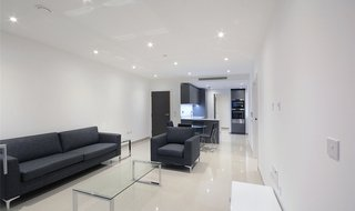 Flat to rent in Conquest Tower, 130 Blackfrairs Road, SE1 8EW-View-1