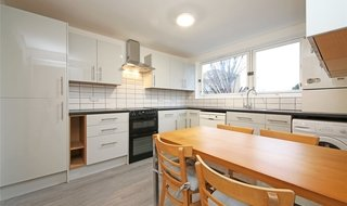 Maisonette to rent in East Hill,, London,, SW11 2RA-View-1