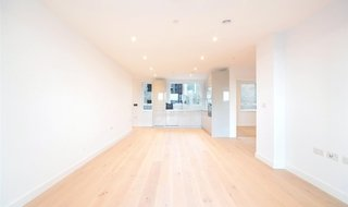 Flat to rent in Ferraro House, 149 Walworth Road, SE17 1RW-View-1