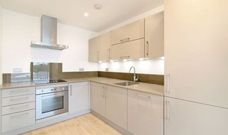 Flat to rent in Guild House, 393 Rotherhithe New Road, SE16 3FN-View-1