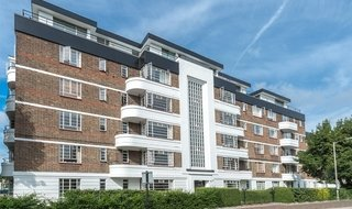Flat to rent in Hightrees House, Nightingale Lane, SW12 8AQ-View-1