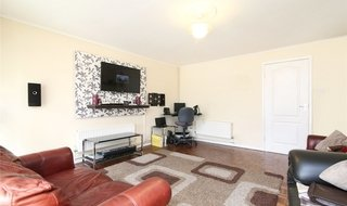 Maisonette to rent in Kensington Avenue, Thornton Heath, CR7 8BT-View-1