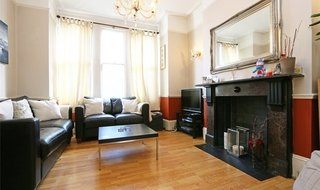 Flat to rent in Latchmere Road, London, SW11 2JT-View-1