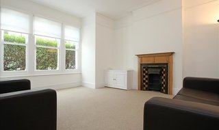 Flat to rent in Lavender Sweep, London, SW11 1HD-View-1
