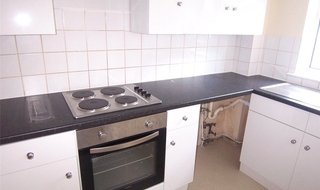 Flat to rent in Pavilion Court, 4 Granville Gardens, SW16 3LL-View-1