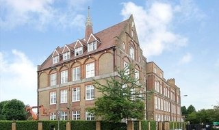 Flat to rent in Shillington Old School, 181 Este Road, SW11 2TB-View-1