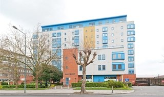 Flat to rent in Solent Court, 1258 London Road, SW16 4EZ-View-1