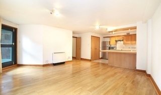 Flat to rent in St Andrews Wharf, Shad Thames, , SE1 2YN-View-1