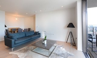 Flat to rent in St. Gabriel Walk, London, SE1 6FF-View-1