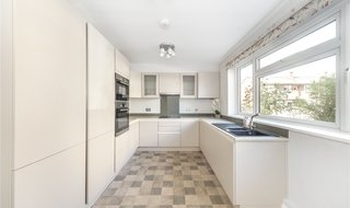 House to rent in Strathdon Drive, London, SW17 0PS-View-1