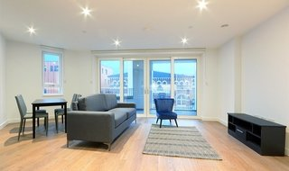 Flat to rent in Tarling House, 3 Walworth Square, SE17 1GA-View-1