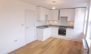 Flat to rent in Walters House, 1423A London Road, SW16 4AH-View-1