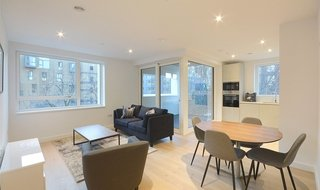 Flat to rent in Walton Heights, 143 Walworth Road, SE17 1FZ-View-1