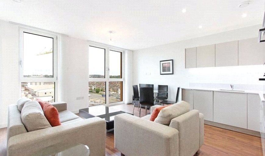 flat for sale in Cable Walk, Greenwich, SE10 0TN-View-1
