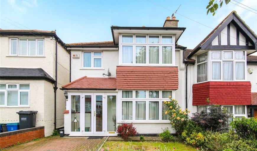 house for sale in Elgar Avenue, Norbury, SW16 4JA-View-1