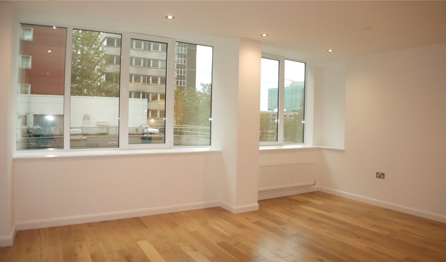 flat for sale in Emerald House, 15 Lansdowne Road, CR0 2NZ-View-1