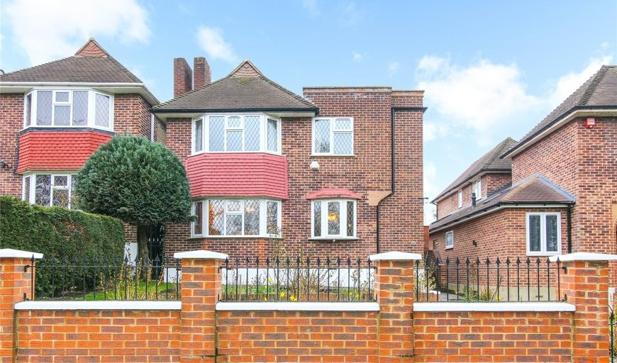 house for sale in Gibsons Hill, Norbury, SW16 3JS-View-1
