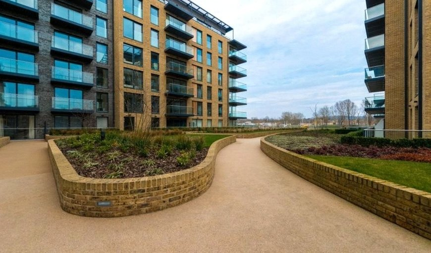 flat for sale in HOPGOOD TOWER, 15 Pegler Square, SE3 9FD-View-1