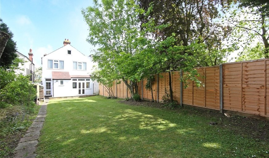 house for sale in Hilldown Road, Streatham, SW16 3DZ-View-1