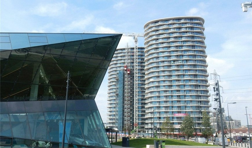 flat for sale in Hoola, Royal Victoria Docks, E16 1AD-View-1