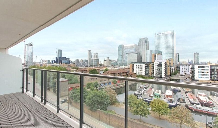 flat for sale in Horizons Tower, 1 Yabsley Street, E14 9BH-View-1