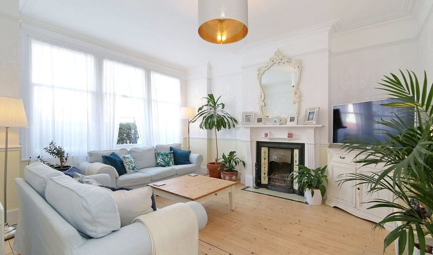 house for sale in Leander Road, Thornton Heath, CR7 6JZ-View-1