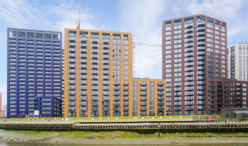 flat for sale in London City Island, , E14 0JU-View-1