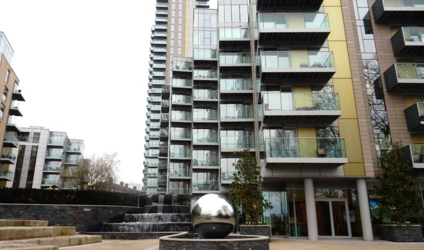 flat for sale in Manor House, London, N4 2SB-View-1