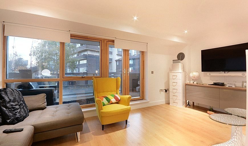 flat for sale in Melbway House, 18 Meadow Row, SE1 6BF-View-1