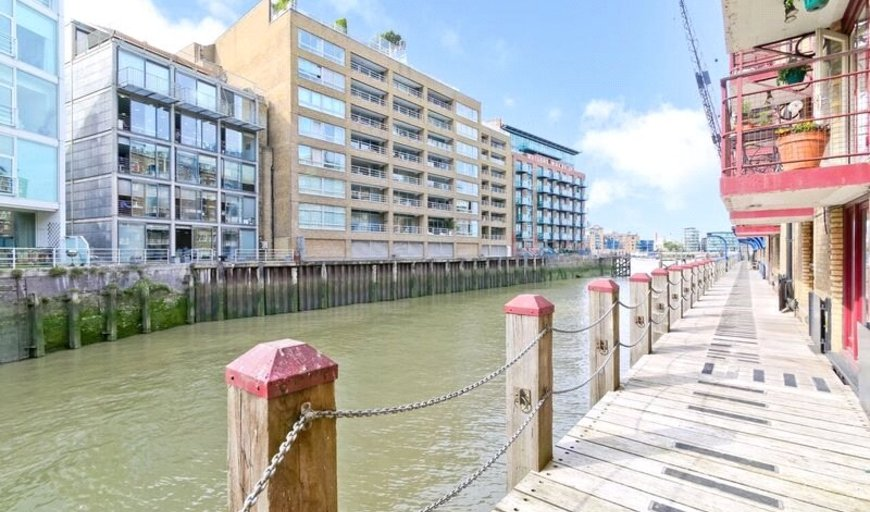 flat for sale in New Concordia Wharf, Mill Street, SE1 2BB-View-1