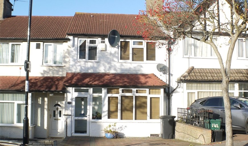 house for sale in Norbury Court Road, London, SW16 4HY-View-1