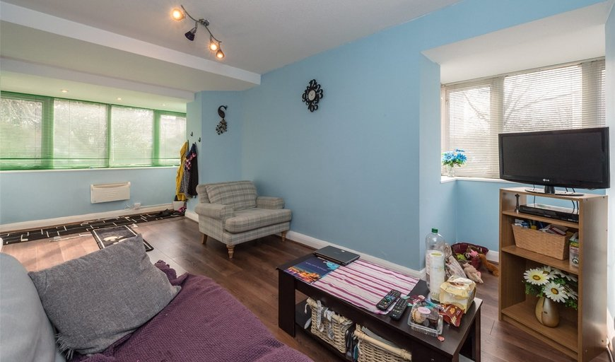 flat for sale in Osprey Heights, Bramlands Close, SW11 2NP-View-1