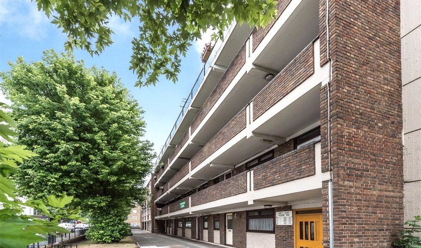 flat for sale in Sheridan House, York Road, SW11 3QS-View-1