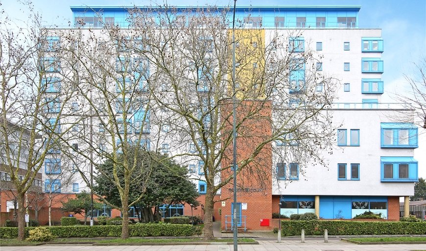 flat for sale in Solent Court, 1258 London Road, SW16 4EZ-View-1
