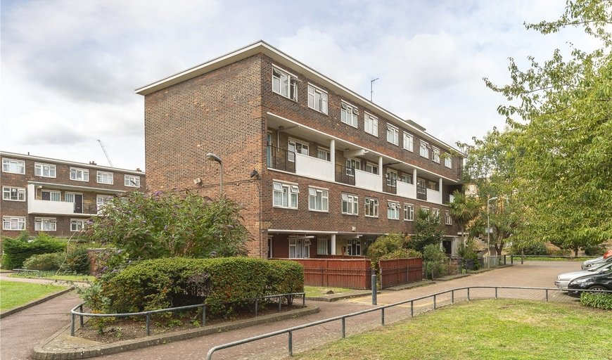 maisonette for sale in Statham House, Patmore Estate, SW8 4JY-View-1