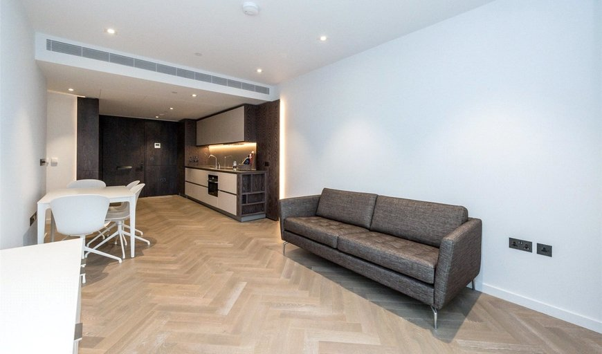 flat to rent in Ambrose House, 19 Circus Road West, SW11 8EL-View-1