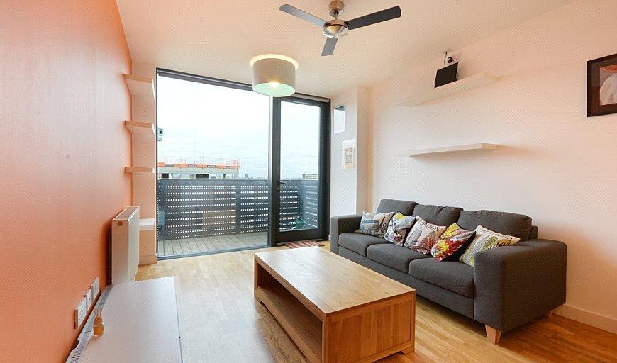 flat to rent in Amelia Street, London, SE17 3BZ-View-1