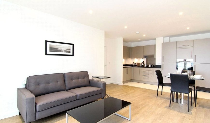 flat to rent in Bessemer Place, London, SE10 0GH-View-1