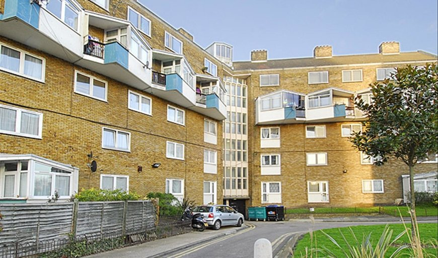 flat to rent in Burbage Close, , SE1 4EG-View-1
