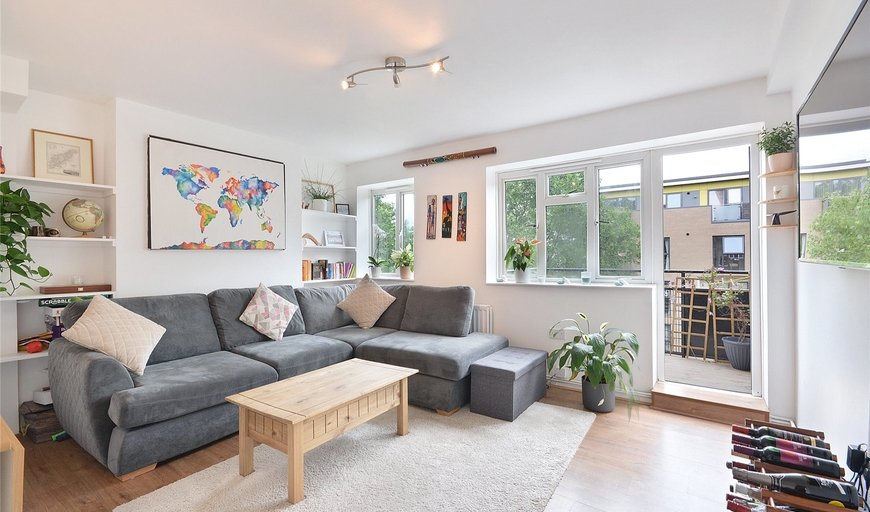 flat to rent in Crompton House, County Street, SE1 6AH-View-1