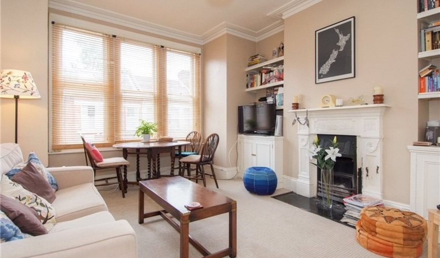 flat to rent in Dagnan Road, London, SW12 9LQ-View-1
