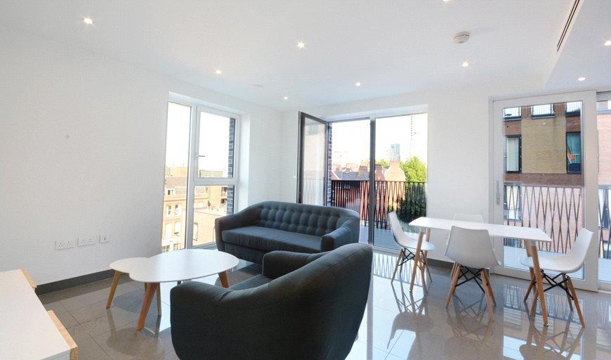 flat to rent in Elliston Apartments, 9 Glade Path, SE1 8EG-View-1