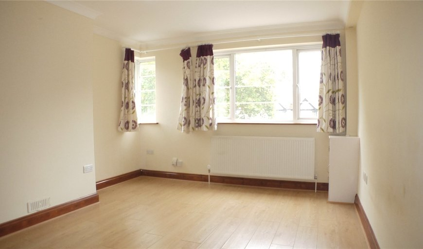 flat to rent in Jubilee Court, London Road, CR7 6JL-View-1