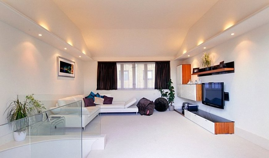 flat to rent in Knot House, 3 Brewery Square, SE1 2LF-View-1